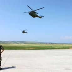 armed_forces05-.jpg